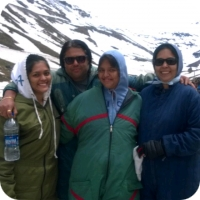 travel and more himachal feedback picture of family in rohtang pass
