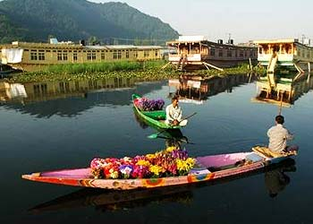 Shikara Ride in Srinagar Kashmir on Dal lake and Nagin lake